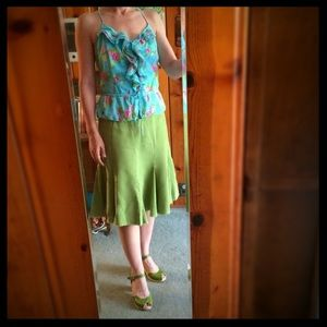 💚 Cheery green linen skirt!